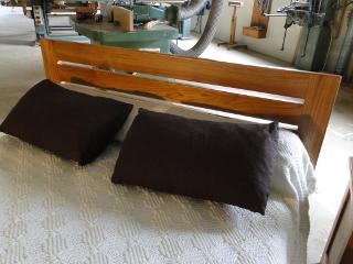 Ebenisterie brettes creation de meubles et placards sur for Meuble orme massif contemporain