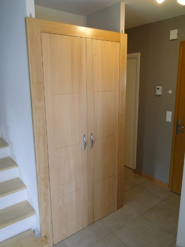 Ebenisterie brettes creation de meubles et placards sur - Portes de placard sur mesure ...