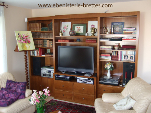 Biblioth que contemporaine en merisier avec portes et for Bibliotheque meuble tv