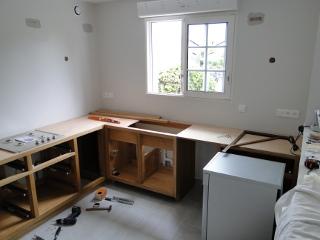 cuisine sur mesure bois chene ebenisterie brettes. Black Bedroom Furniture Sets. Home Design Ideas