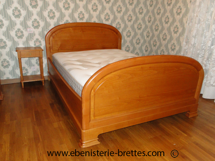 lit en bois massif de frene sur mesure ebenisterie brettes. Black Bedroom Furniture Sets. Home Design Ideas