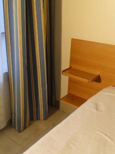 t te de lit ch ne biarritz ebenisterie brettes. Black Bedroom Furniture Sets. Home Design Ideas
