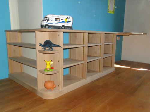 Bibliotheque enfant bois naturel sur mesureebenisterie brettes