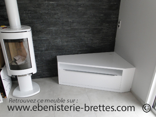 Meuble de t l vision d 39 angle blanc brillant design avec for Petit meuble d angle but