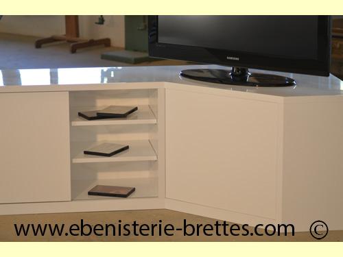 meuble tv d 39 angle pour caen normandie ebenisterie brettes. Black Bedroom Furniture Sets. Home Design Ideas