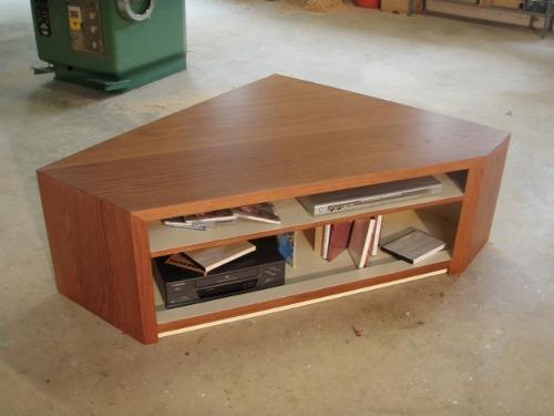 Meuble d 39 angle en bois fabriqu en france ebenisterie brettes for Meuble design sur mesure
