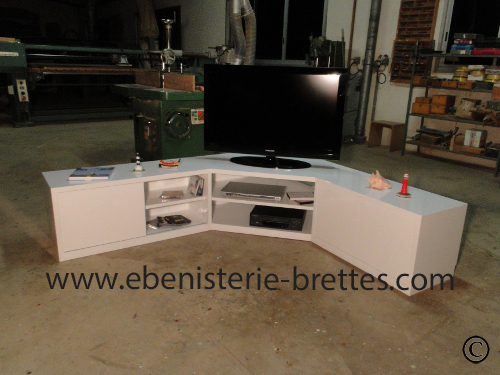 Meuble tv en angle blanc fabriqu et livr toulouse ebenisterie brettes - Meuble d angle blanc laque ...