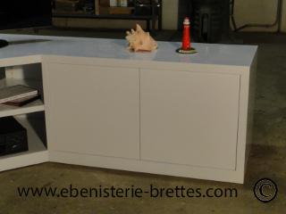 meuble tv en angle blanc fabriqu et livr toulouse ebenisterie brettes. Black Bedroom Furniture Sets. Home Design Ideas