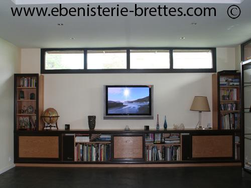 Fabrication d 39 un meuble tv et rangements moderne anglet for Meuble tele en l