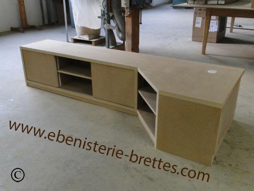 meuble television angle brillant ebenisterie brettes. Black Bedroom Furniture Sets. Home Design Ideas
