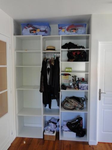 placard en m dium laqu blanc sur mesure au pays basque et landes ebenisterie brettes. Black Bedroom Furniture Sets. Home Design Ideas