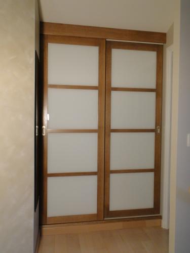 Fabricant Dune Façade De Placard En Chene Et Verres Blancs Au - Porte placard coulissante et porte en bois blanc