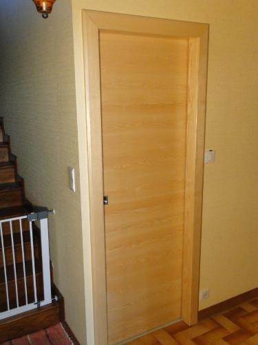 Creation d 39 une porte d 39 int rieur coulissante en bois sur - Modele porte interieur ...