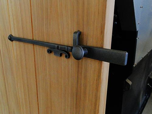 creation d 39 une porte d 39 int rieur sur mesure en bois de. Black Bedroom Furniture Sets. Home Design Ideas