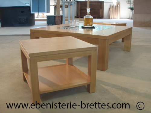 table basse design en bois de h tre et plateau en verre. Black Bedroom Furniture Sets. Home Design Ideas