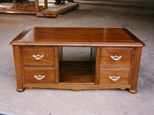table sur mesure en bois finest plateau de table en bois sur mesure avec plateau table bois. Black Bedroom Furniture Sets. Home Design Ideas
