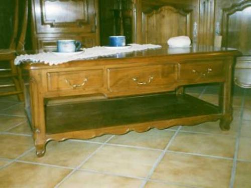 table de salon en bois de noyer rustique fabriqu e sur mesure pour brignais pr s de lyon. Black Bedroom Furniture Sets. Home Design Ideas