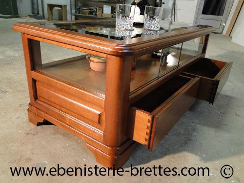 Table basse de style louis philippe en merisier livraison - Table de salon lumineuse ...