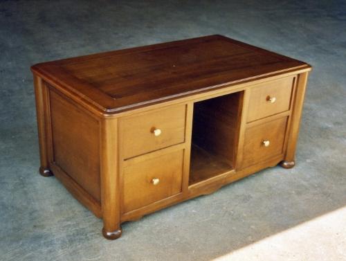 Table basse sur mesure en bois de merisier pour un client for Table de salon en merisier