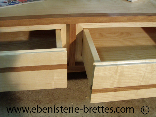 table basse contemporaine bois orme et frene sur mesure