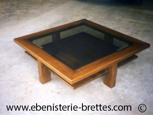table moderne en bois et verre carr e livr e versailles dans les yvelines ebenisterie brettes. Black Bedroom Furniture Sets. Home Design Ideas