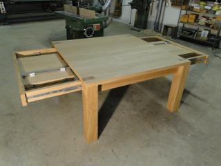 Table carre contemporaine ebenisterie brettes for Table carree a rallonge design