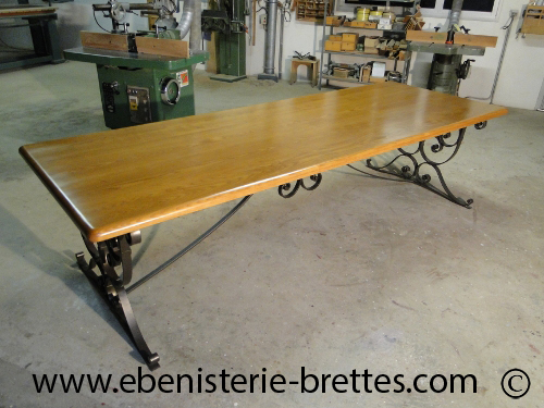 Table bois fer forge for Table de salle a manger sur mesure