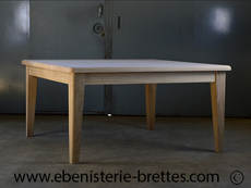 grande table carree en bois massif